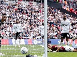 Angst van broer Kelle Roos wordt werkelijkheid: geen promotie naar Premier League na fout keeper